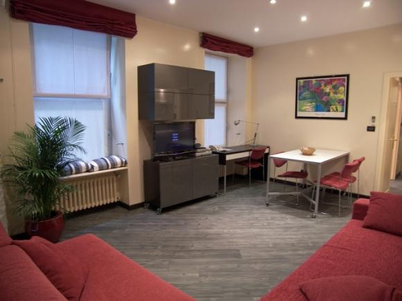 Sistemazione trasferta torino appartamento deluxe for Appartamenti arredati torino