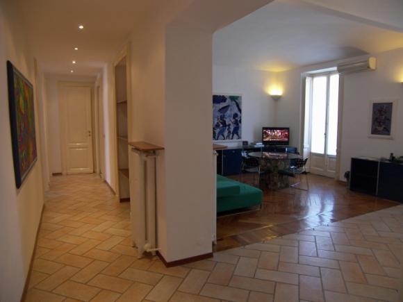 Appartamento deluxe in aparthotel torino for Appartamenti arredati torino