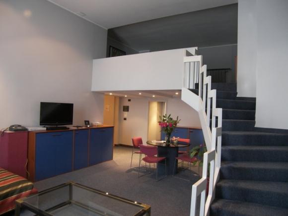 Residence torino vicino stazione porta nuova for Appartamenti arredati torino