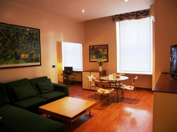 Affitto bilocale lunghi soggiorni for Appartamenti arredati torino