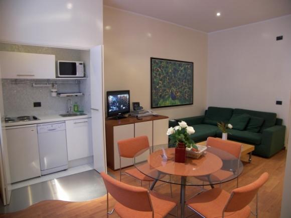Monolocale in aparthotel torino for Monolocale arredato torino