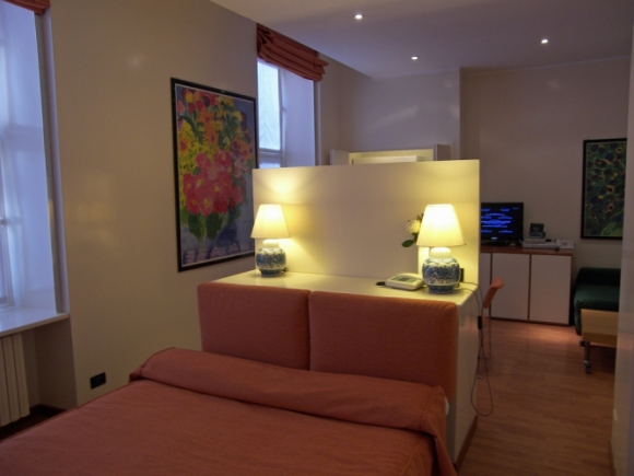 Monolocale in aparthotel torino for Appartamenti arredati torino