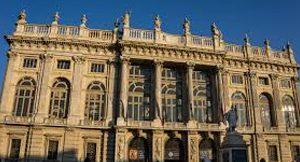 scopri Palazzo Madama da Residence Sacchi